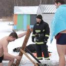 Как жители Полотчины купались в проруби на Крещение